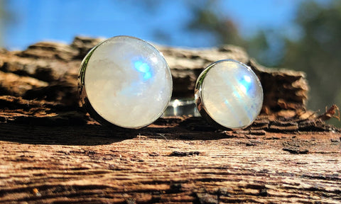 Rainbow Moonstone 2cap - Valou ::: Home of the Original 3cap ring design :::