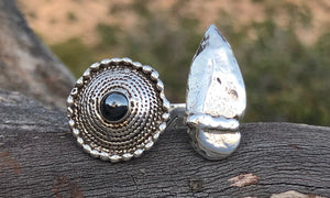 Shield Hematite/Arrowhead 2cap - Valou ::: Home of the Original 3cap ring design :::