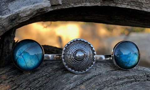Temple Labradorite 3cap - Valou ::: Home of the Original 3cap ring design :::