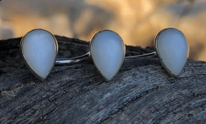 White Moonstone Teardrop 3cap - Valou