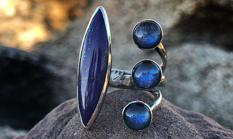 Deep-Blü Moonstone and Lapis ring
