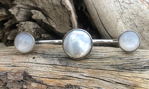 Mother-of-pearl Moonstone 3cap - Valou ::: Home of the Original 3cap ring design :::