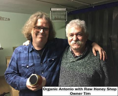 Antonio with Raw Honey Shop owner Tim discussing the latest Oak honey
