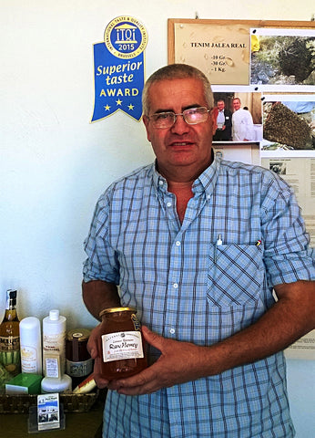 Rossend with Award-Winning Raw Honey