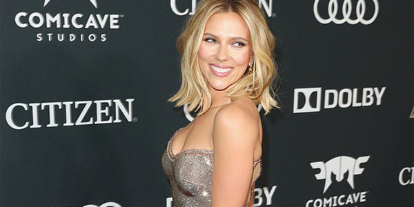 Scarlett Johansson wears Infinity Gauntlet at The Avengers premiere