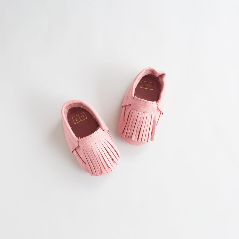 Ili and Charlie Fringe Leather Unisex Moccasin Strawberry Cream