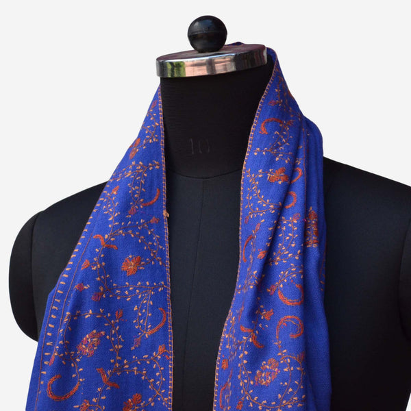 Made from 100% natural fibers this Indigo kashmiri woolen scarf is perfect for your classic look in the cozy winters