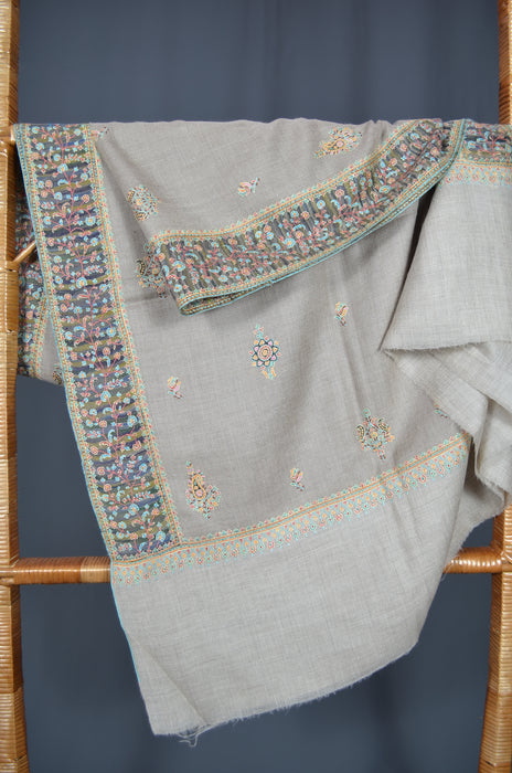 Un Dyed Natural Big Border Embroidery Cashmere Pashmina Shawl