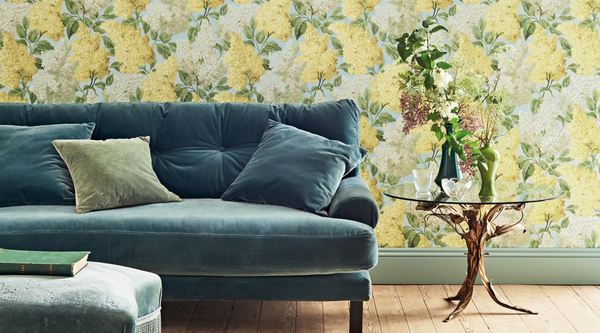 Picking the perfect floral wallpaper