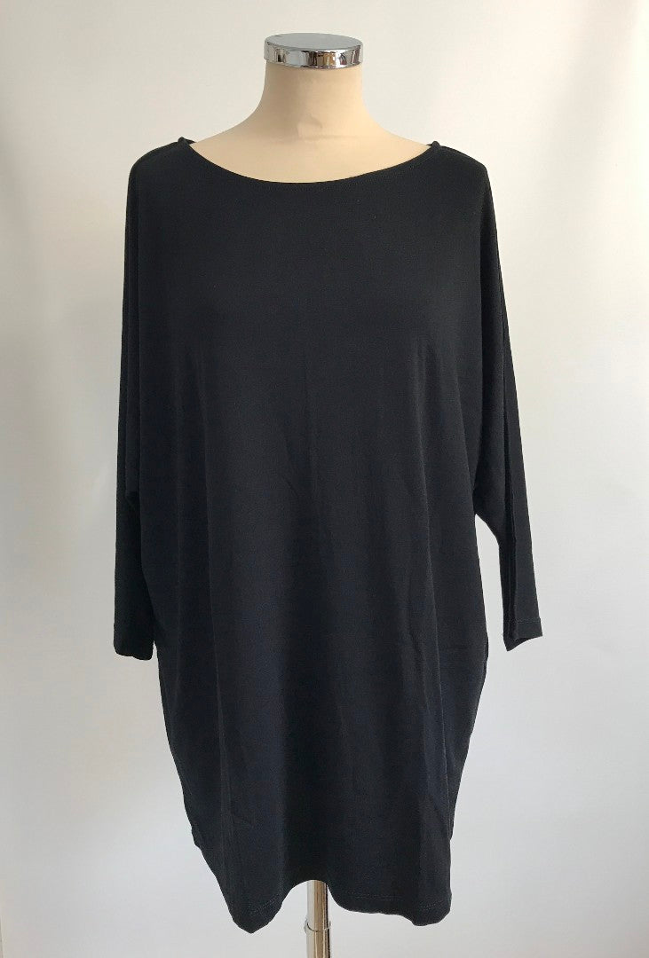 Batwing T-Shirt - Black