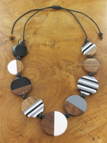 Round Necklace - Monochrome
