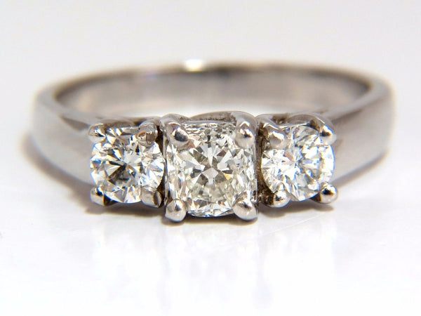 1.08CT CLASSIC THREE NATURAL CUSHION & ROUNDS DIAMOND RING 14KT