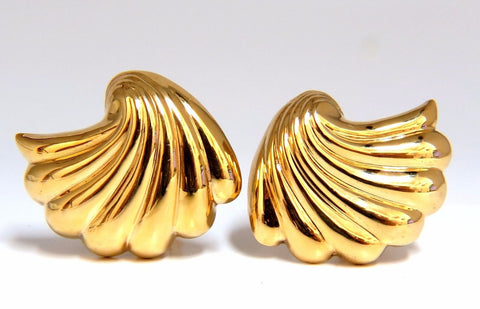 14kt shell form 3d clip earrings