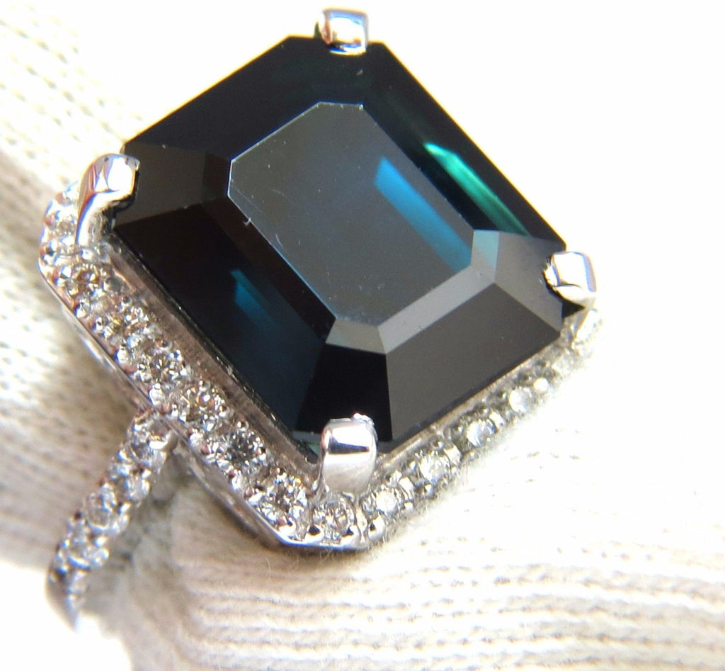 engagement features blue royal the middleton ring famous later worn stone kate sapphire princess and inspired by custommade rings com diana center this a deep