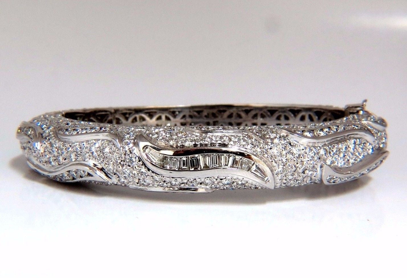 14.02ct Natural Daimonds Eternity Encrusted...