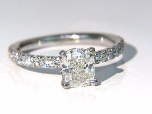 GIA 1.62ct. Cushion cut diamond ring 18kt H/VS