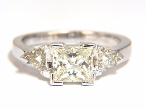 1.63ct Natural Princess cut diamond ring 14kt. Trilliants