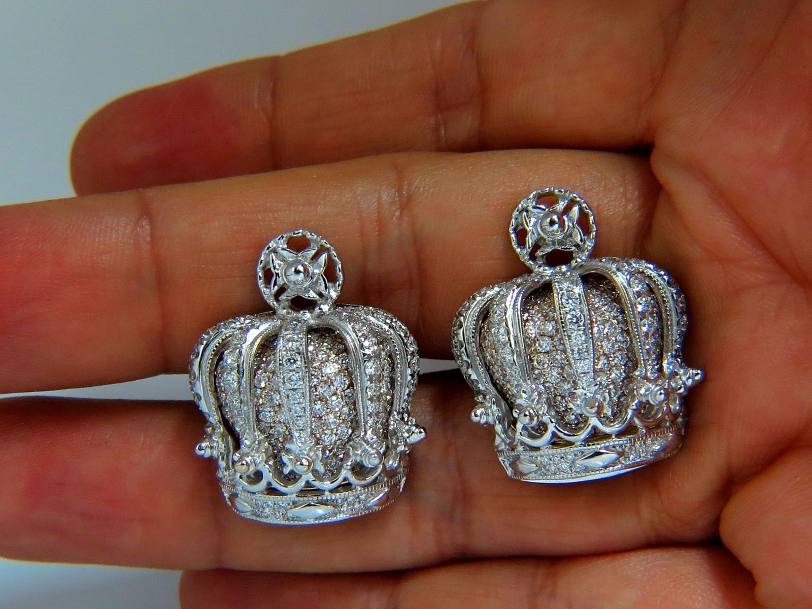 Posh Britt 3D Royal Crown 6.00ct. Diamonds Cufflinks 18Kt Kingship