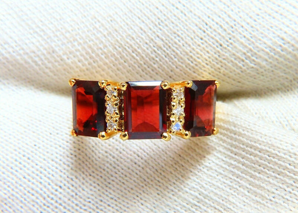 5.08ct Natural Red Garnets Diamonds Ring 14kt Three Stone