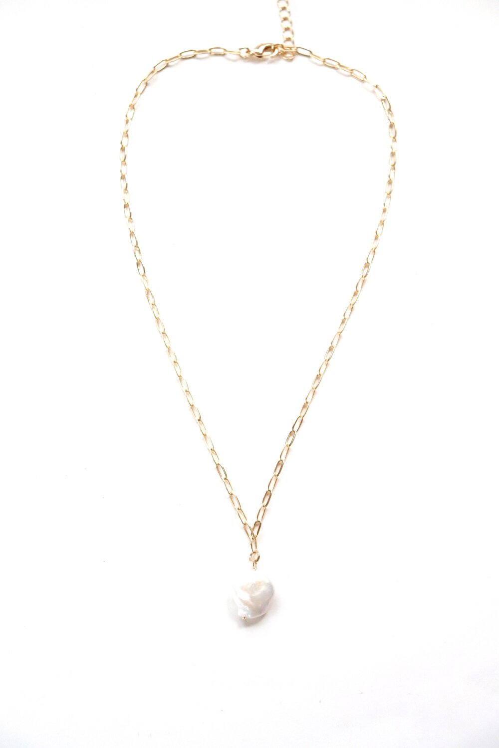 "Gold 18.5"" Chain Necklace With a Pearl"