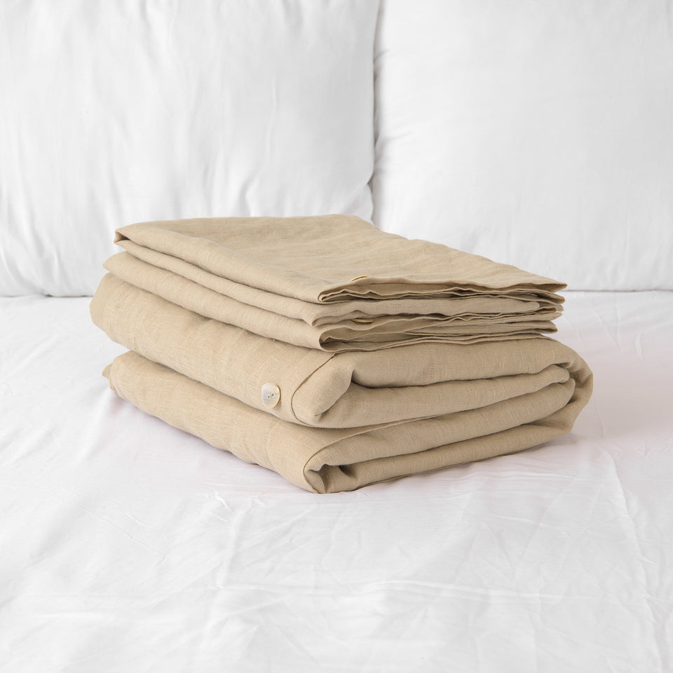 Linen Duvet Set with Buttons