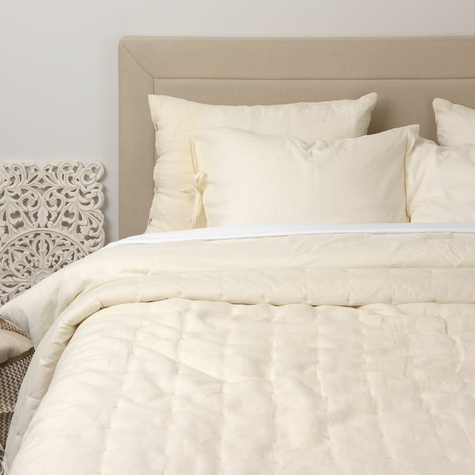 Linen and Cotton Tufted Quilt