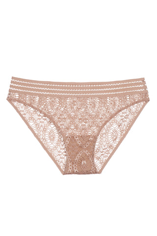 Baroque Triangle Cup Fitted Slip with Garters
