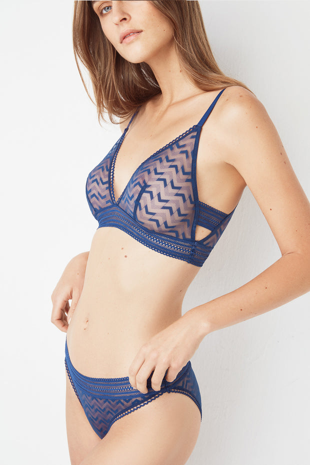 Boomerang Soft High Apex Triangle Cup Bra