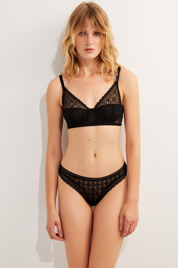 Chloe High Apex Underwire Full Cup Bra