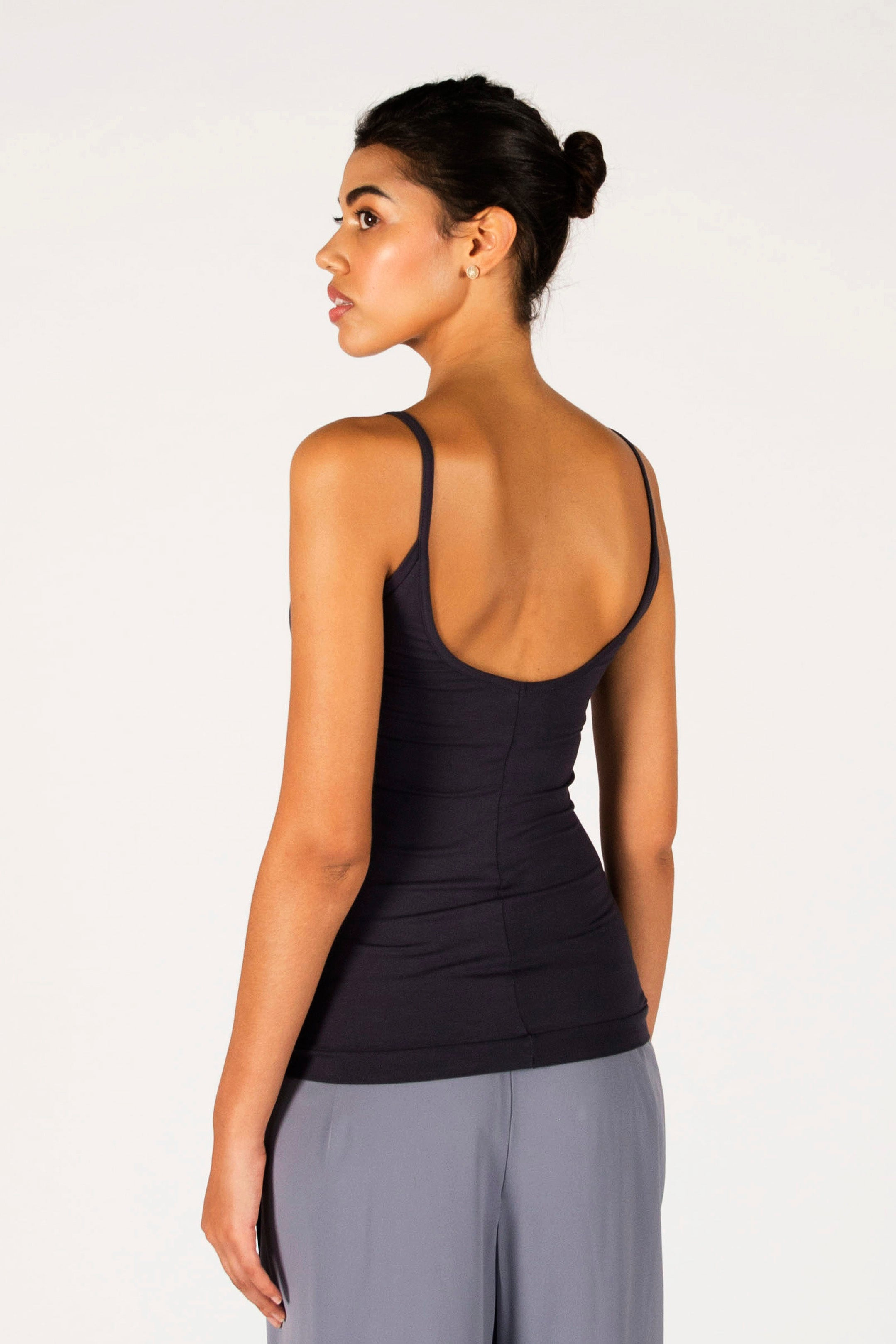 : the charcoal LAURA singlet