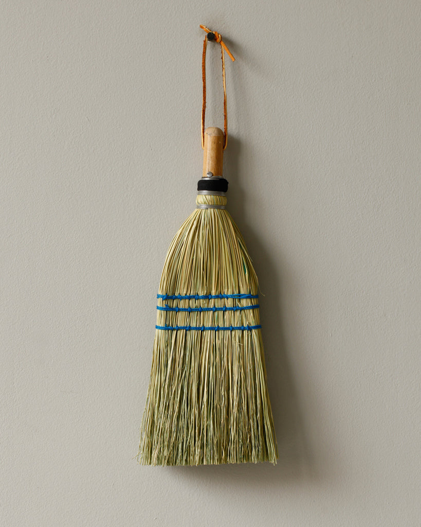 Lostine natural whisk broom