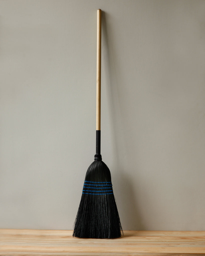 Lostine black barn broom usa