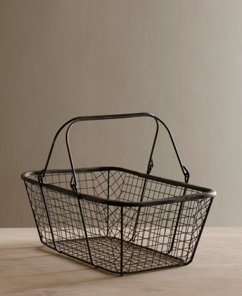 Lostine wire market basket with handles vintage gray