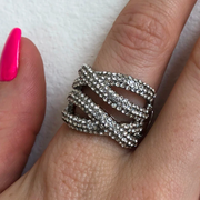 Red Carpet Criss Cross Stretch Ring