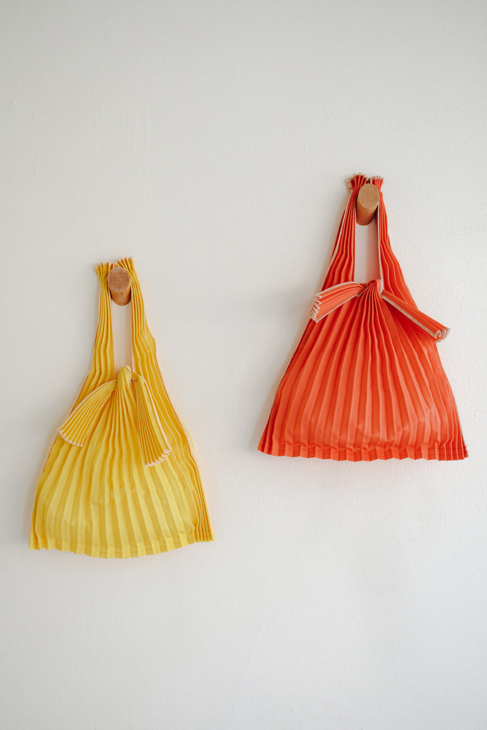 Mini Pleated Pleco Tote Bag - Orange and Yellow