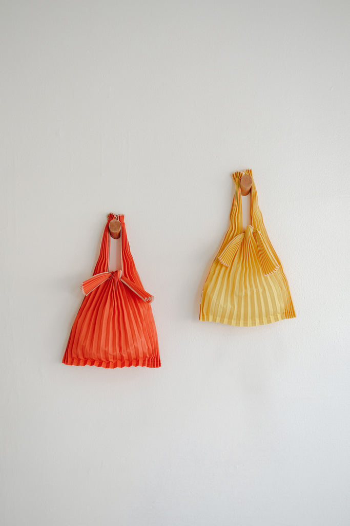 Mini Pleated Pleco Tote Bag - Orange + Yellow