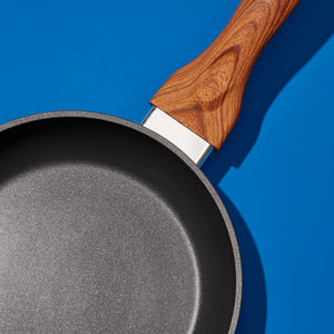 Matte Finish Wood Handle Black Fry Pan (001)