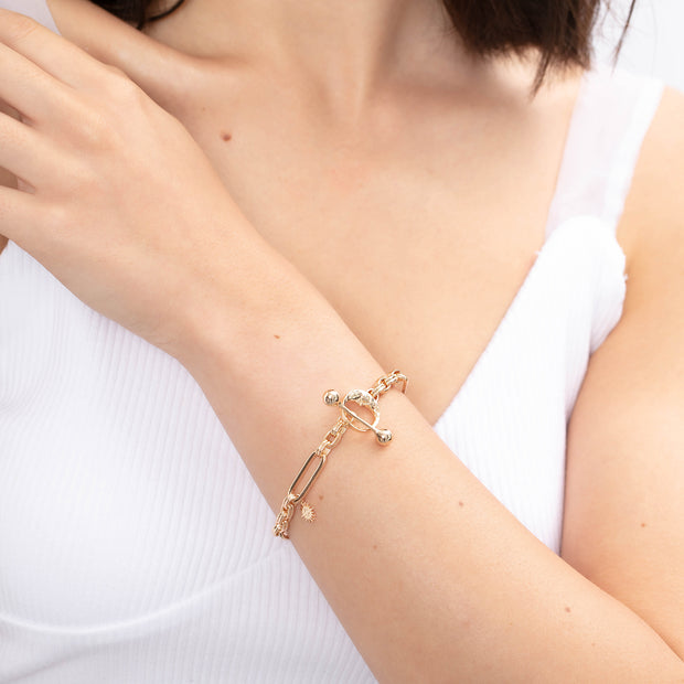(Preorder) Embrace Gold Toggle Bracelet