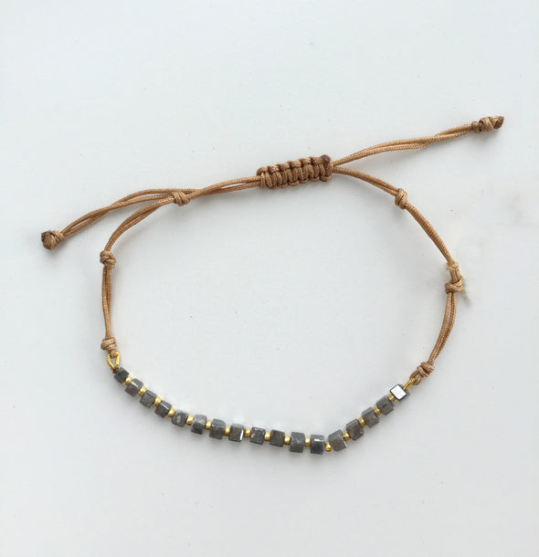 Macrame Bracelet with Gray Diamonds Beads and Gold Mini Rondell