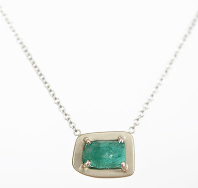 18K Special White Gold Pendant with Raw Emerald