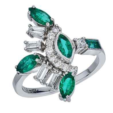 18K White Gold Ring with Emerald Baguette and Diamonds