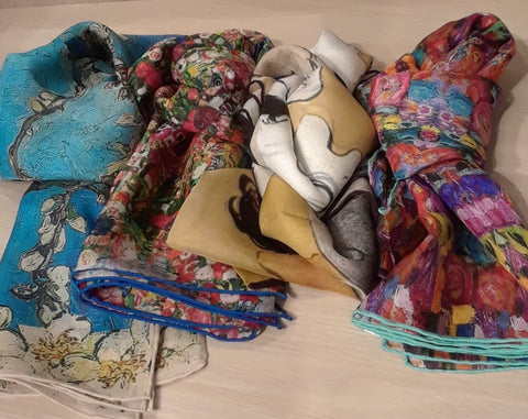 Lovely Museum Art Collection Scarves For Ladies, Exclusive, Europe