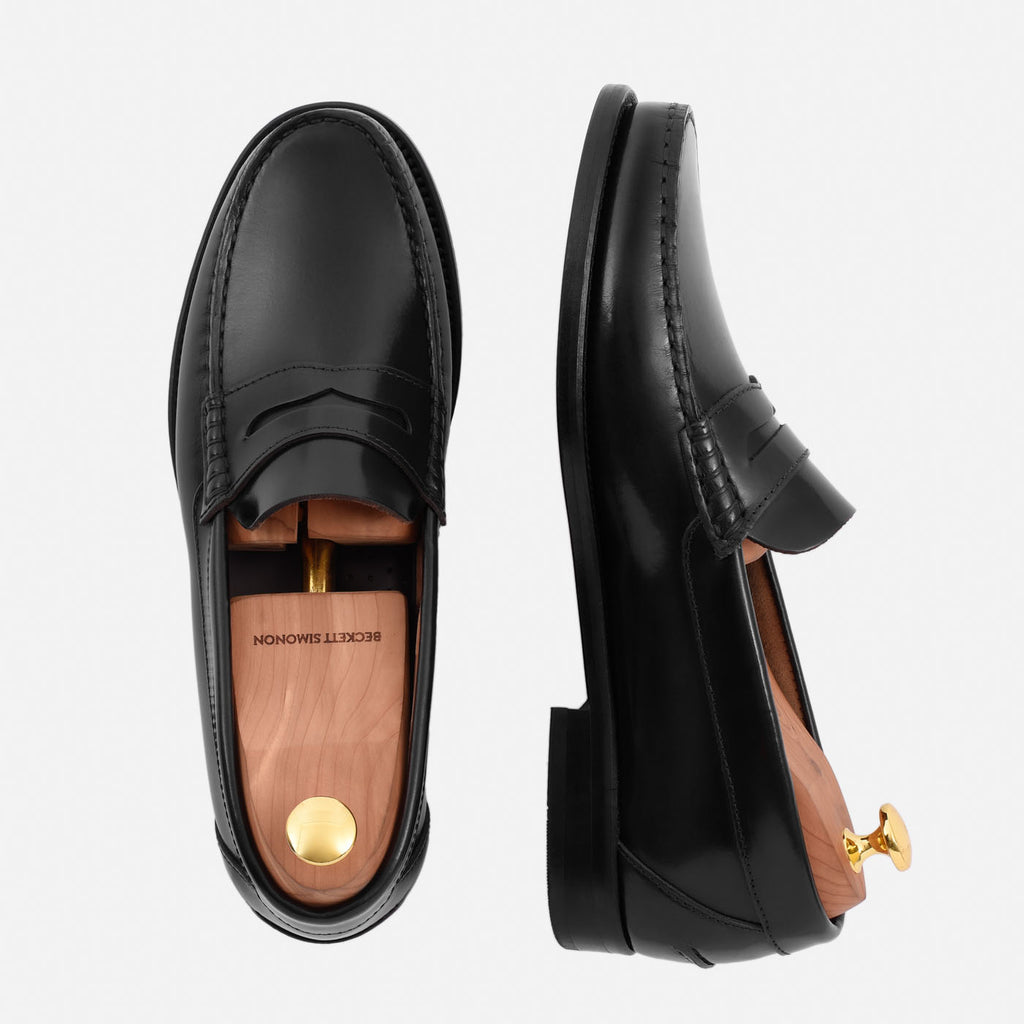 00b296fe84a This Loafer is a variety of the Penny Loafer and it takes its name from the  stitching on each side of the vamp which looks like