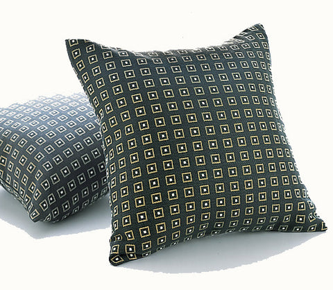 Hoffmann Pillow, Contura Pattern