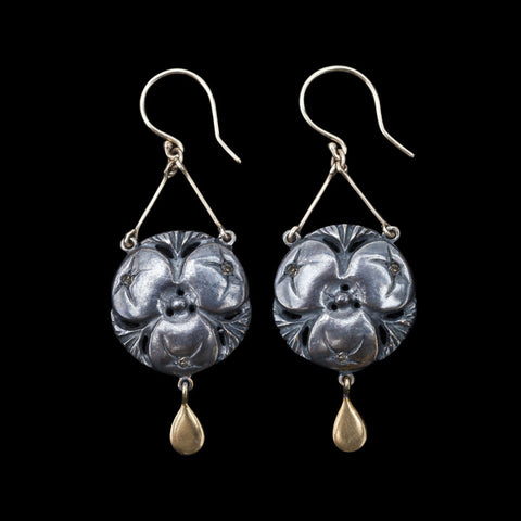 De Vera Moonflower Earrings