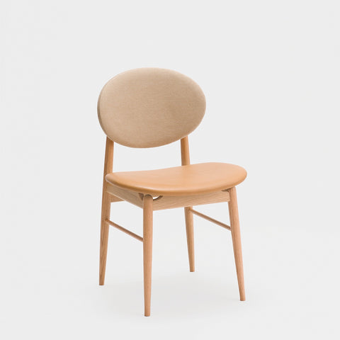 Outline Chair / Oak - Leather - Fabric
