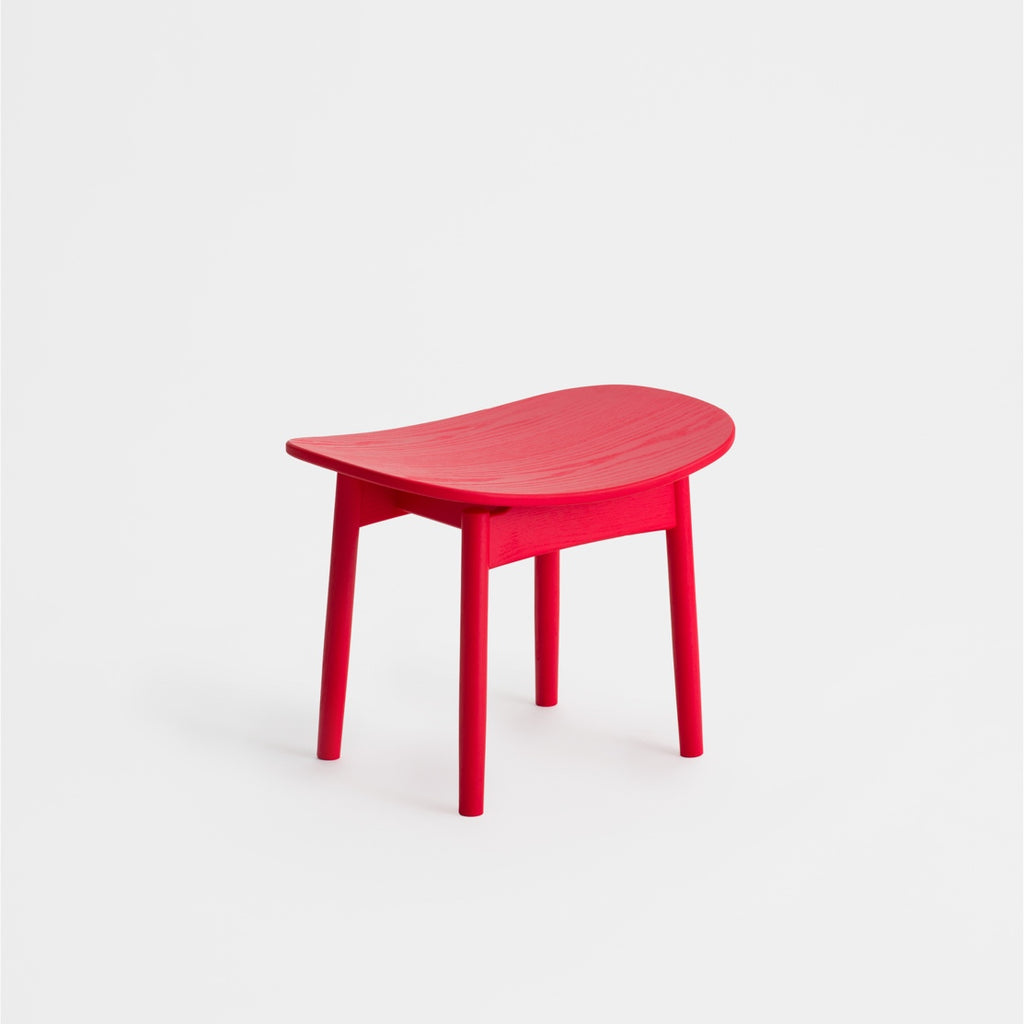 Saga Lounge Stool / Red Ash