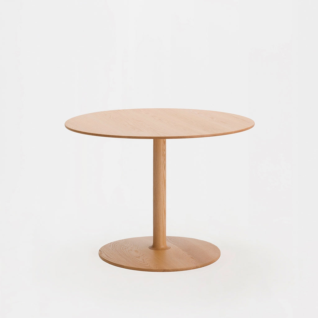 Taio Dining Table / Oak