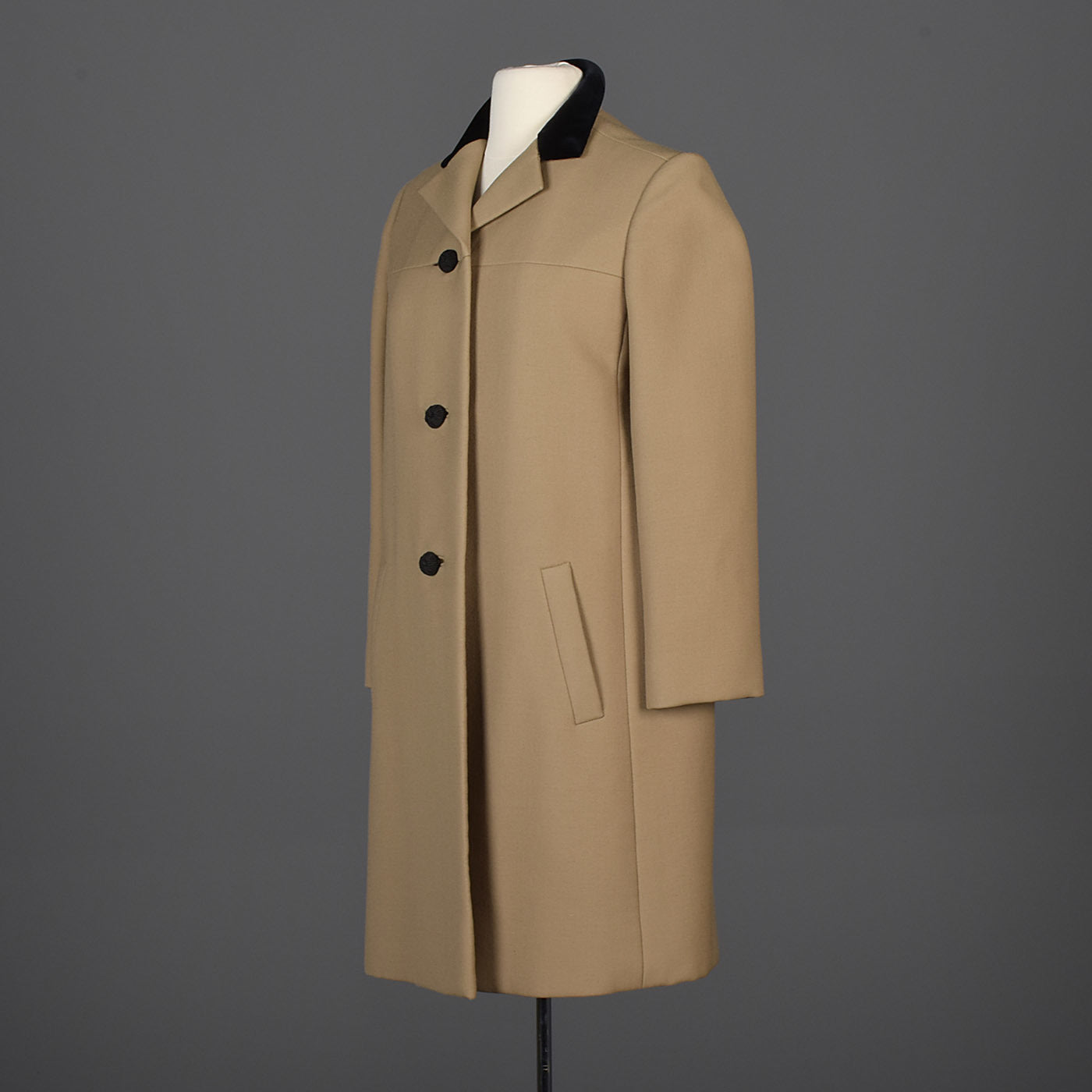 Classic George Halley Winter Coat with Velvet Collar