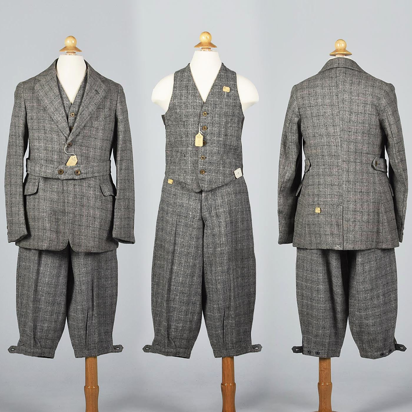 Deadstock 1920s Men's Three Piece  Tweed Suit with Plus Fours in Gray and Purple Plaid